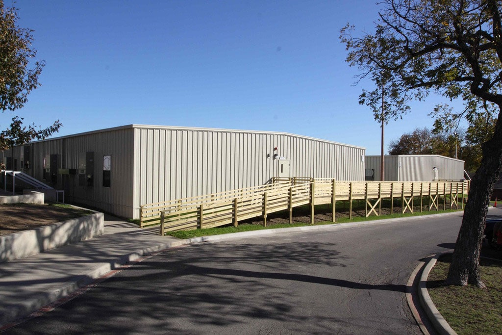 relocatable modular building LIFE SCHOOL – CLASSROOM WINGS